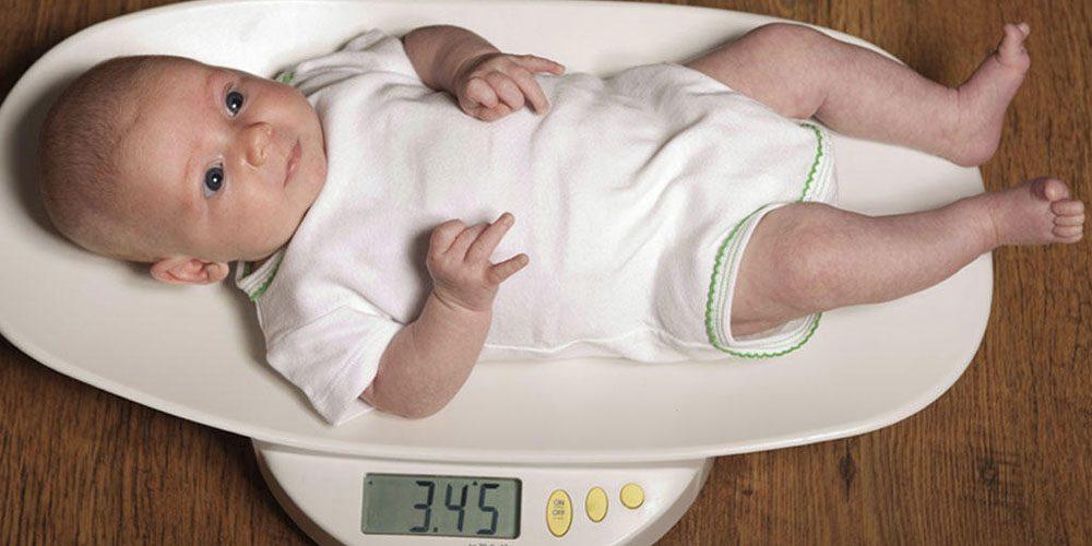 ترازوهای وزن کشی برای اندازه گیری وزن کودک